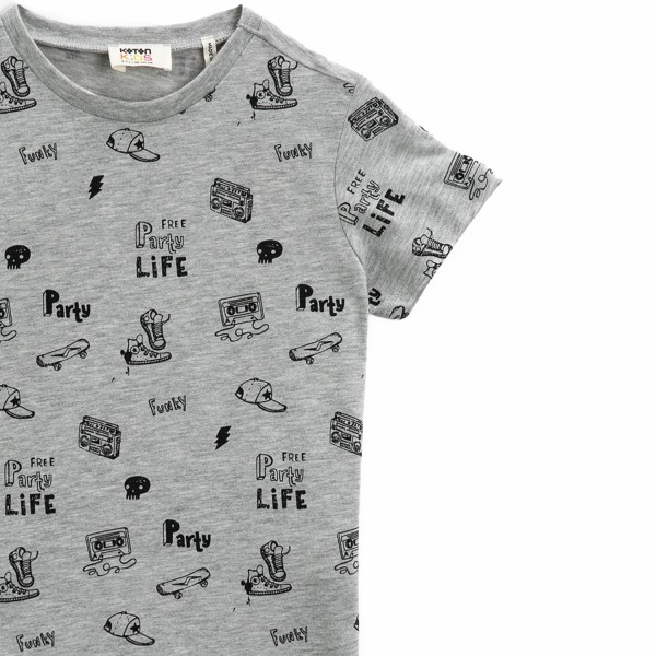 Jungen T-Shirt -Free party life
